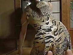 eating pussy : busty japanese porn